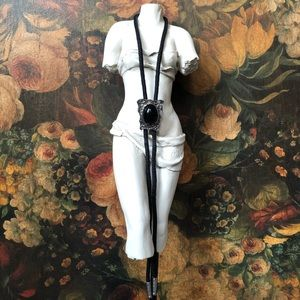 🔥 Vintage Silver Tone Onyx Bolo Necklace